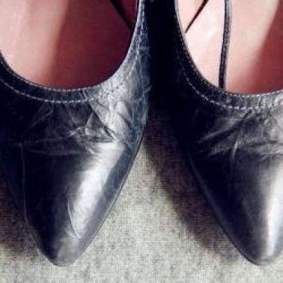 转闲置tata纯牛皮尖头小跟鞋